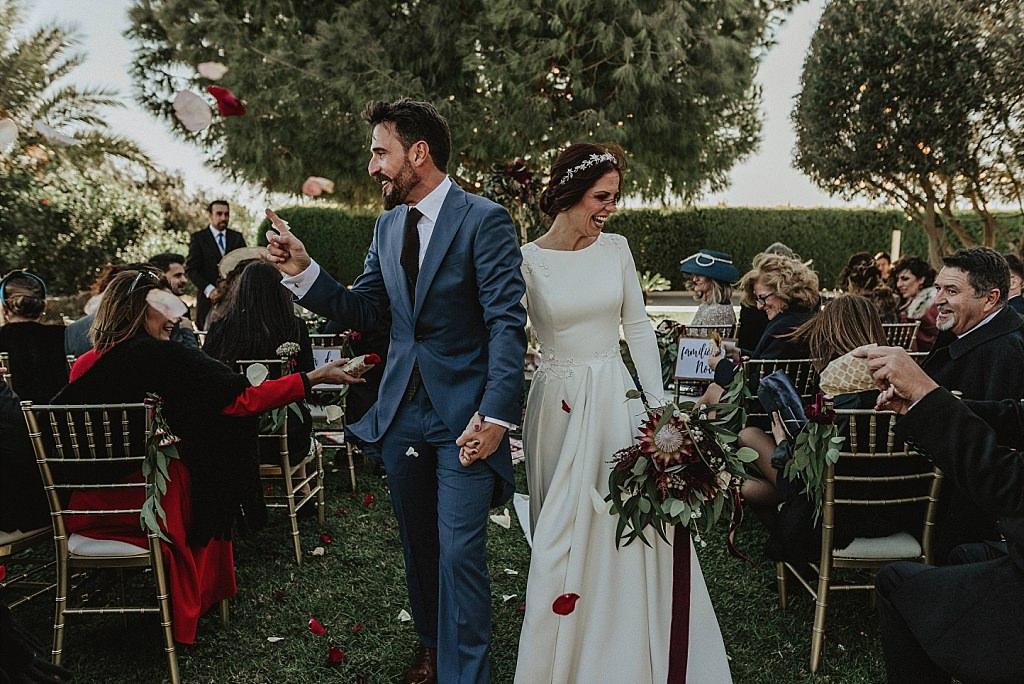 Salida de la ceremonia de boda